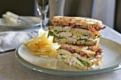 Chicken sandwiches with potato crisps