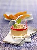 Papaya-Vanilleiscreme mit Cassis