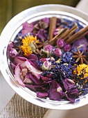 Pot-pourri of flowers and spices