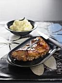 Schweinerippen mit Honigglasur und Kartoffel-Vanillepüree