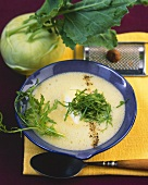 Kohlrabi soup with rocket