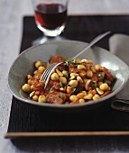 Tomatoes with chickpeas and pine nuts