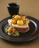 Tuna fish with caramelised onions and melon