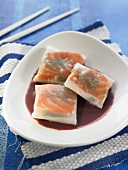 Rice paper parcels filled with salmon (Asia)