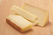 Gruyère (hard cheese)