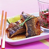 Mackerel fillets in teriyaki sauce with radish salad