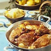 Geschmortes Kaninchen mit Oliven & ein Schälchen Couscous