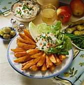 Western potatoes (Spicy potato wedges with dip)