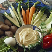 Vegetable platter with aioli (garlic dip)