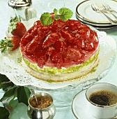 Strawberry gateau with pistachio cream