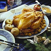 Stuffed turkey with chestnuts & apples, Xmas decorations