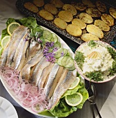 Matjes herring fillets with cream & apple dip & roasted potatoes