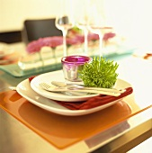 Place-setting with tealight & chrysanthemum (var. Anastasia Green)