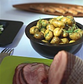 Boiled potatoes with butter, salt & dill, to serve with smoked ham