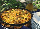 Paella valenciana: paella with green beans and snails