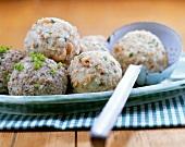 Liver dumplings and bread dumplings