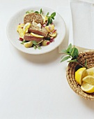 Tonno in insalata (Tuna on potato and onion salad)