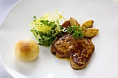Goose liver on apples in Riesling and honey with brioche