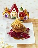 Frikadellen auf Preiselbeer-Rotkohl mit Bier-Lebkuchensauce