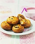 Puff pastries with raisins
