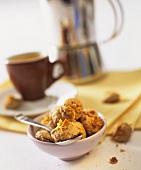 Amaretti della nonna (Home-made almond biscuits)