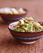 Guacamole with chicharrones (deep-fried pork rind)