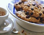 Coffee and pine nut cookies