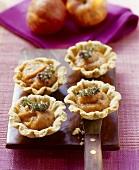 Savoury tarts with tomato & apple chutney filling & thyme