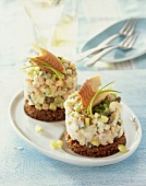 Häckerle (chopped trout with pear & spring onions) on black bread