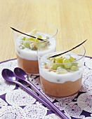 Quince puree with grapes and ground mace
