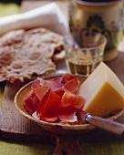 Merenda alpina (Ham, cheese & Schüttelbrot (crisp Tyrolean bread))