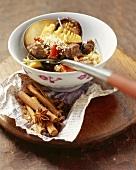 Lamm-Paprika-Ragout mit Bambussprossen & Sesam