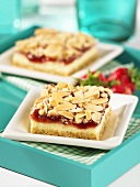 Strawberry slices with flaked almonds