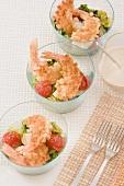 Caesar Salad mit knusprigen Garnelen
