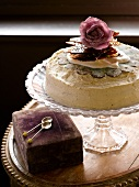 Vanilla and poppyseed tart with caramel glass