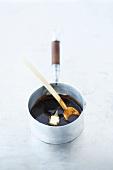 Binding venison gravy with butter