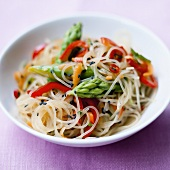 Glass noodle salad with green asparagus and peppers