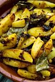 Patatas a lo pobre (Kartoffelgericht aus Spanien)