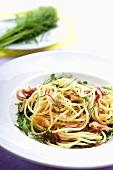 Linguine al salmone (Bandnudeln mit Lachs, Rucola & Dill)
