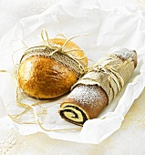 Bündner Birnbrot (Swiss fruit bread) & Makowiec (Polish poppy seed strudel)