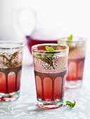 Fruit spritzer with mint