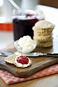 Oatcakes with soft cheese and jam