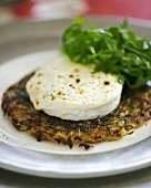 Herb potato rösti with warm goat's cheese