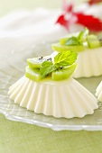 Quark moulds with kiwi fruit and mint