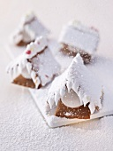 Gingerbread houses with icing sugar