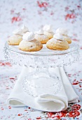 Vanilla biscuits on cake stand
