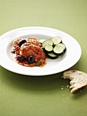 Pollo alla cacciatora (Chicken with olives and courgettes)