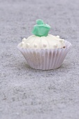 Cupcake (white with turquoise marzipan rose)