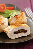 Chicken breast fillet with fig stuffing