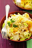 Tuna, pineapple and leek salad with cheese